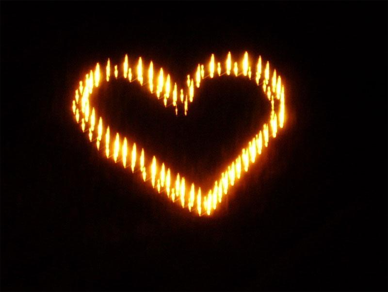 Как сделать из свечи сердце